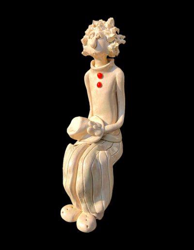 Sculpture - céramique - naïf - personnage assis - crème